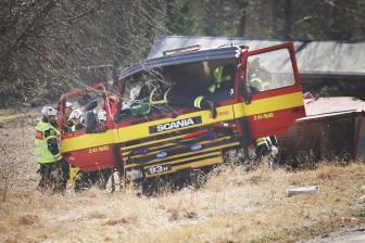 Brandbil voltade under utryckning